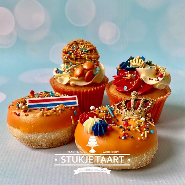 koningsdags cupcakes en donuts stukje taart